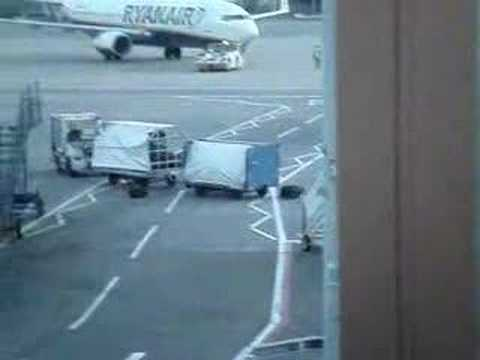 Ryanair Flight - Baggage Handlers