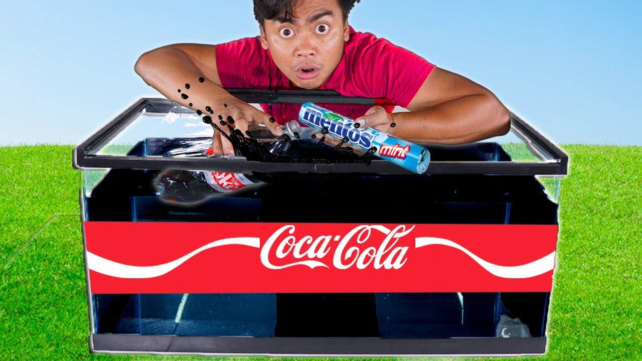 DIET COKE and MENTOS Underwater Experiment
