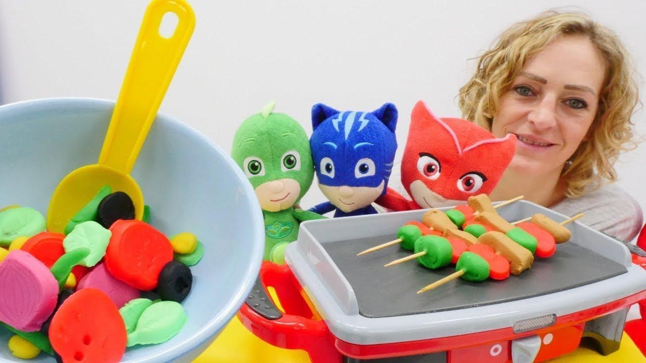 Grillparty für die Pyjamahelden und die Ninja Turtles - Spielzeugvideo für Kinder