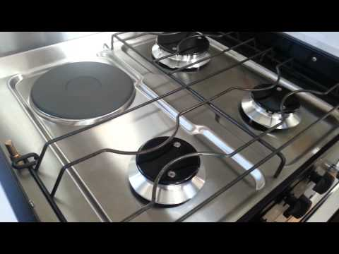 Montana Caravan: Swift 500 Series Four Burner Gas & Electric Stove