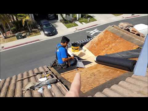 San Clemente Roofing - Valley flashing repair and mold damage plywood replacement