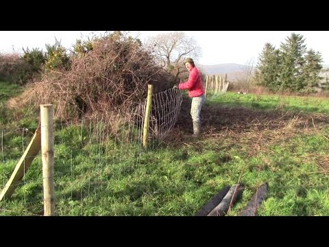 How To Put Up Sheep Fencing Wire Easily Without A Strainer