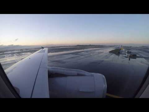 United Airlines A320 landing into NYC LGA Airport - Beautiful Sunset landing