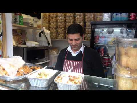 Indian/Pakistan Street Food: Samosa & Channa Chaat, Dahi Bhala at Muzammil Food Shop Green St London