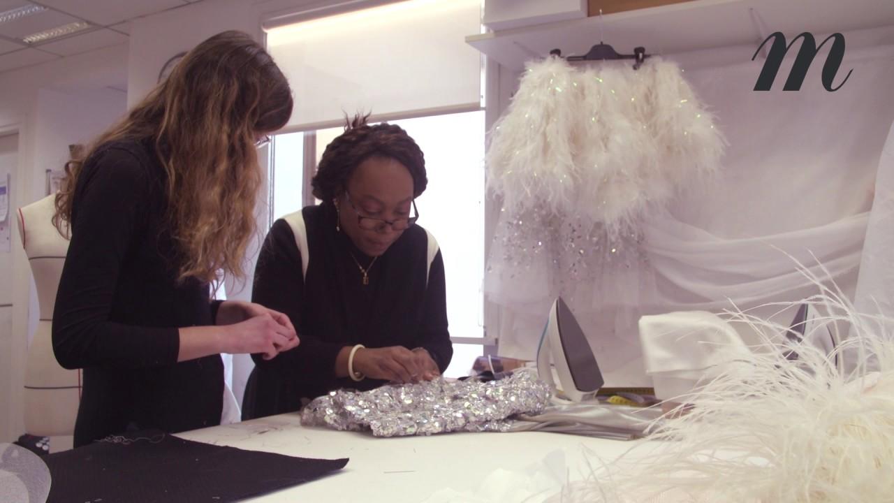 Chanel haute couture :  les secrets de fabrication de la robe miroir portée par Kendall Jenner