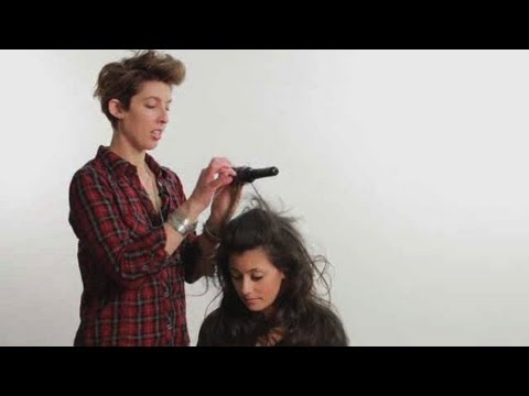 How to Use a Round Brush | Cute Hairstyles