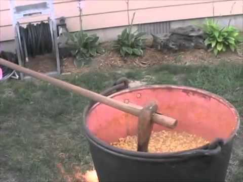 Cheap Date Show - 16 October 2007 - Making Apple Butter!