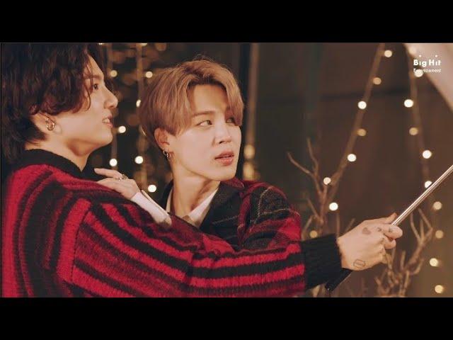 Download Jimin and Jungkook (Jikook)  hugging @ BTS Dynamite Christmas Remix MP3 Gratis
