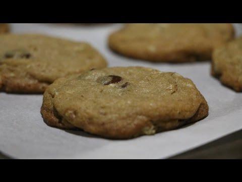Chocolate Chip & Walnut Cookies Short