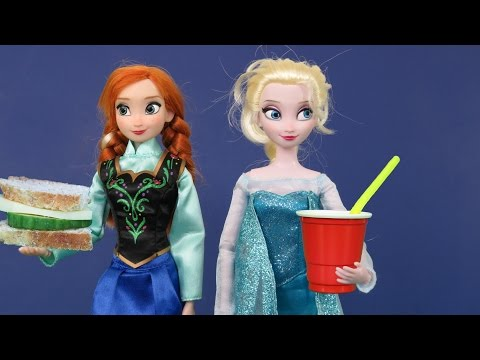 Elsa and Anna toddlers at Picnic !