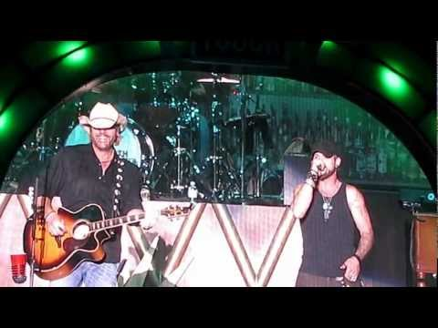 Toby Keith and Brantley Gilbert 'Weed with Willie' Vegas