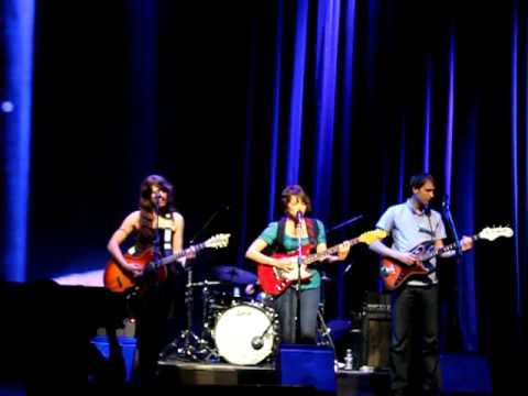 Circuito Integrado: Apple Keynote - Norah Jones new song