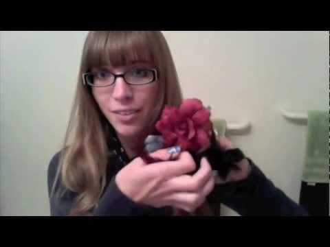 5 Ways to Wear a Flower Hair Clip