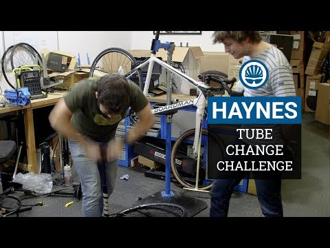 How Fast Can You Change An Inner Tube? - BikeRadar Vs. Haynes