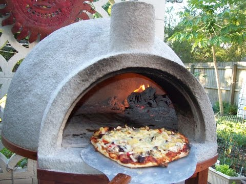 Pizza Oven Easy-Build Pizza at 800 F