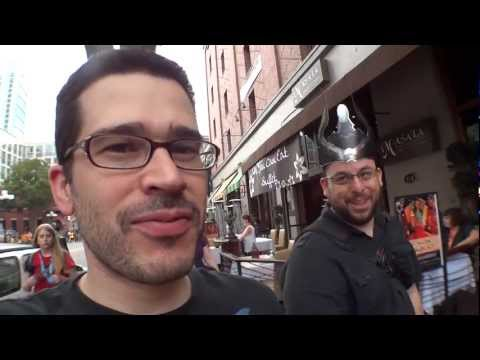 Pirillo Vlog 082 - Chris Arrives at Comic-Con (Day Zero)