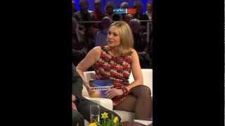 LEGS NYLONS BOOTS Katja Riemann MINIROCK bei DAS 14 03 2013