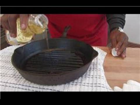 Cooking & Culinary Tips : How to Season a Cast Iron Skillet