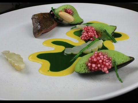 Plating techniques 3 - How to plate. How fine dining chefs do food presentation in restaurants.