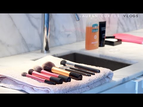 How To Clean Your Makeup Brushes!
