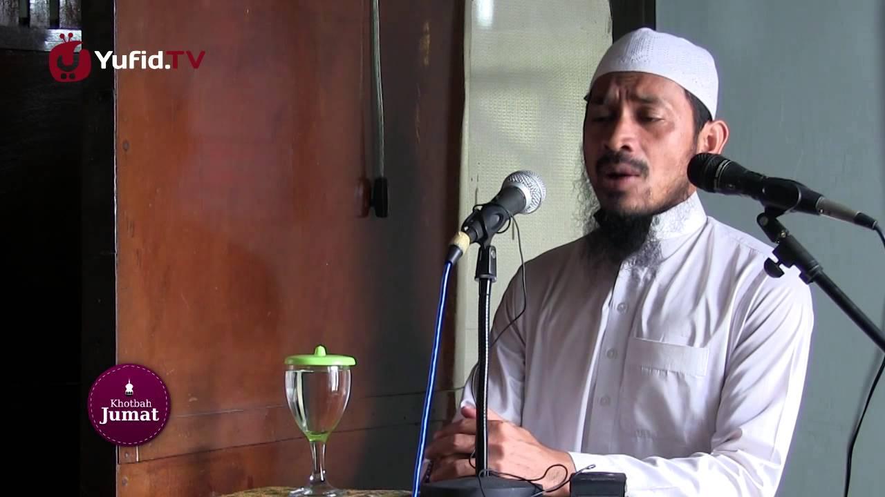 Video Khutbah Jumat: Dahsyatnya Fitnah Dunia - Ustadz Dr. Ali Musri Semjan Putra, M.A.