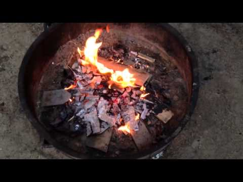 How To Make Baked Potatoes In A Campfire - Campfire Meal