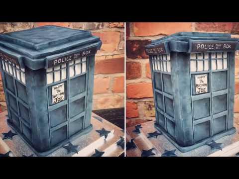 DR WHO - TARDIS Cake