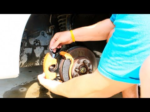 HOW TO REPLACE BRAKE PADS 96 HONDA CIVIC EASY!