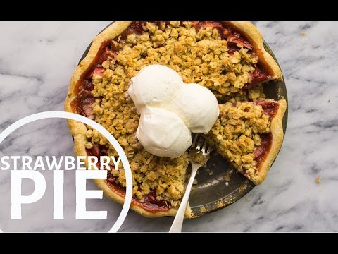 Homemade Strawberry Pie Recipe with Oatmeal Crumble