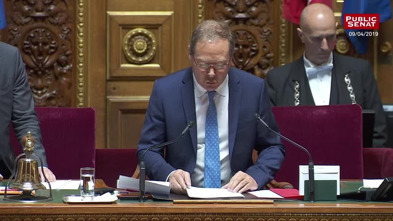Privatisations : le sénat refuse d'examiner la loi pour la croissance des entreprises - Les matins