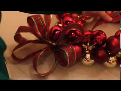 How to Make a Vintage Christmas Ornament Wreath at Home