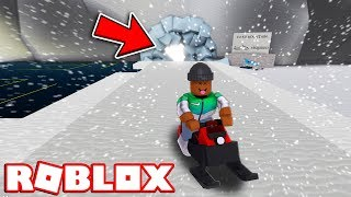 VISITING ICE MOUNTAIN!! | Roblox Snow Shoveling Simulator