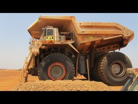 Driving in a Terex 6300 Mining Dumper Truck (largest in the world)