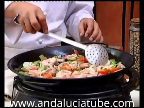 Learn to cook step by step a delicious paella ( English speech )