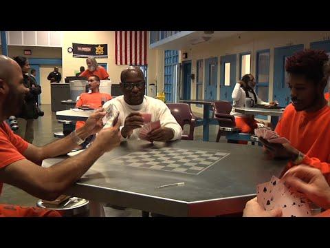 Jails Increasingly Set Aside Cells for Veterans