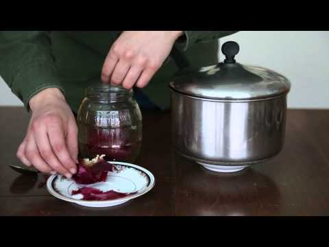 How to make Ukrainian Easter eggs with natural dyes