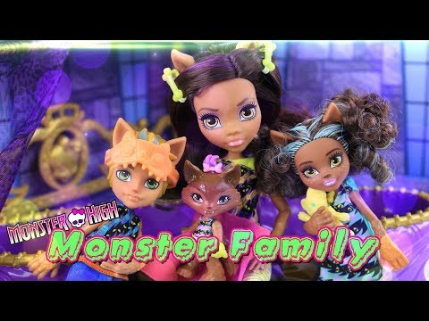 Unbox Daily: Monster High | MONSTER FAMILY of Clawdeen Wolf PLUS Quick Craft