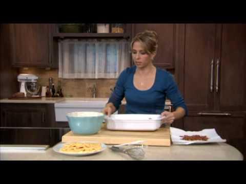 VELVEETA Cheesy Bacon-Hash Brown Casserole