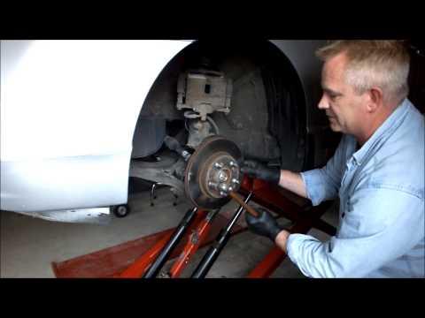 Honda Civic Replace Front Brakes