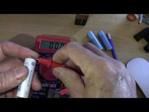 Harbor Freight Cen Tech multimeter AA and 9 volt battery load test