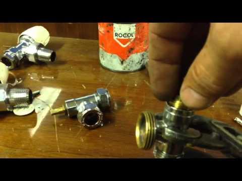 How to repair a leaking radiator valve