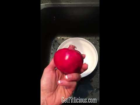 How To Seed a Pomegranate... Stain Free!