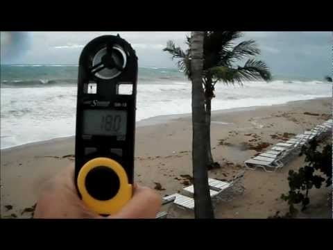 SKYMATE WIND METER IN ACTION AT THE BEACH