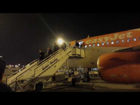 Night flight on easyJet's Airbus A319-111 from Gatwick, England to Sofia, Bulgaria