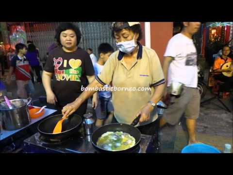 Traditional Teochew Oyster Omelette Cooking, Kuching Food Delicacy