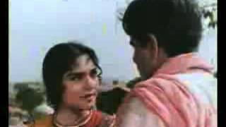 fIghts between dilip kumar g and vaijanthimala g from my most favourite movie ganga jamuna