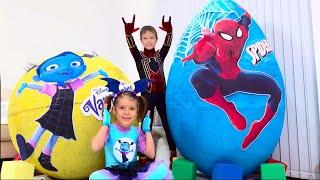 Download Дети не поделили игрушки Spiderman и Vampirina в огромных яйцах / Giant toy eggs with surprise Video