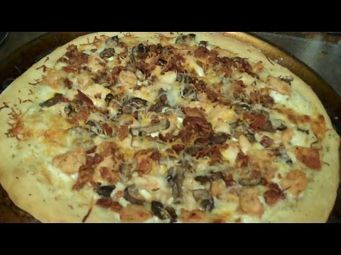 CHICKEN BACON RANCH PIZZA!!! (Vlog126)