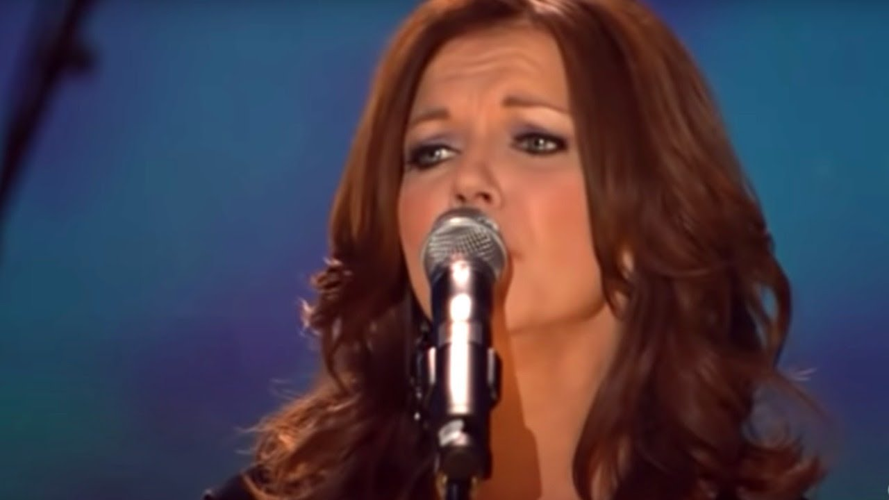 """Martina McBride — """"'Til I Can Make It on My Own"""" — Live"""