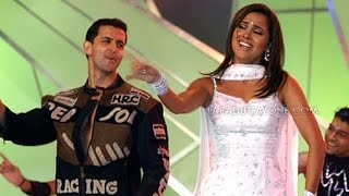 Lara Dutta & Hrithik Roshan - Performance at Zee Cine Awards 2004